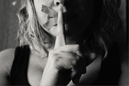 El precio de romper el silencio